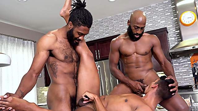 Full anal for the naked dudes in bareback threesome