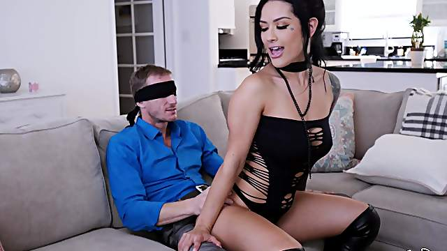 Katrina Jade blindfolds a lover to up the erotic factor