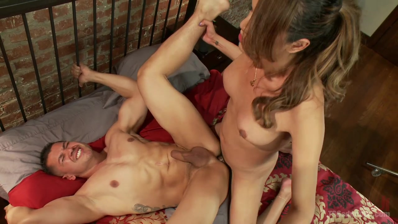 Shemale shows horny man proper anal sex