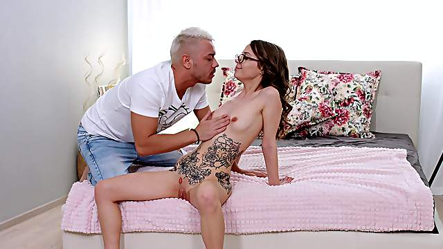 Petite girl puts it in the ass for the first time