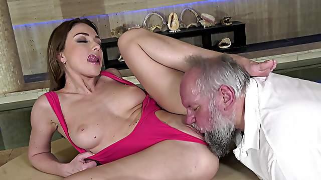Keen beauty leaves senior man to fuck her restless